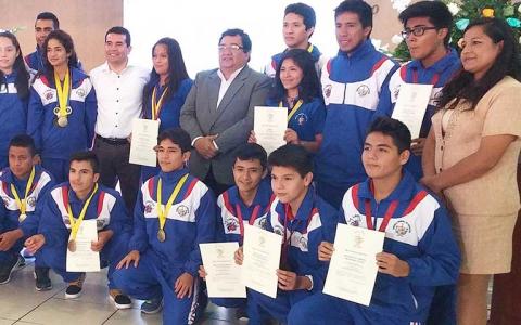 Gerencia Regional de Educación reconoció a estudiantes liberteños ganadores de Concurso Nacionales